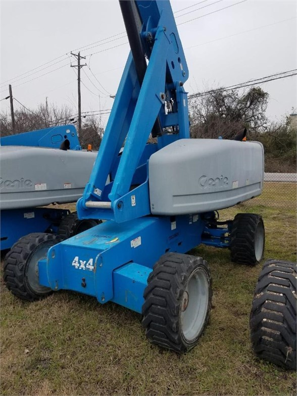 USED 2010 GENIE S60 BOOM LIFT EQUIPMENT #1651