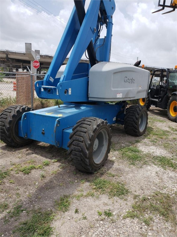USED 2011 GENIE S85 BOOM LIFT EQUIPMENT #1781
