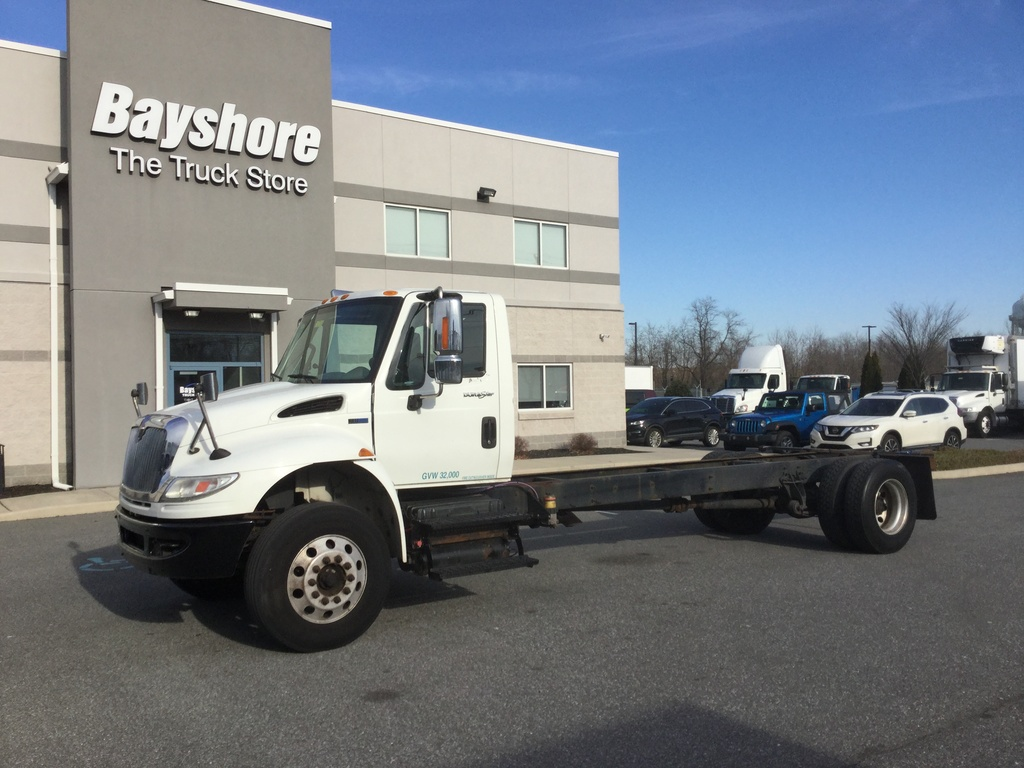 USED 2014 INTERNATIONAL 4400 4000 CAB CHASSIS TRUCK #10006
