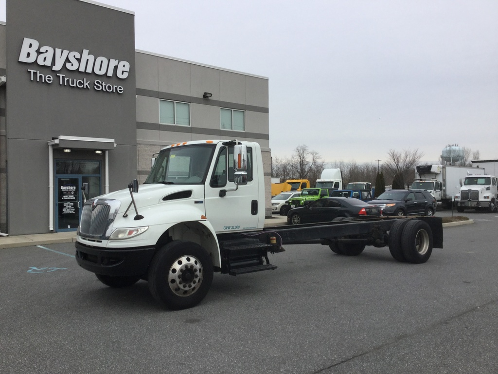 USED 2015 INTERNATIONAL 4400 4000 CAB CHASSIS TRUCK #10007