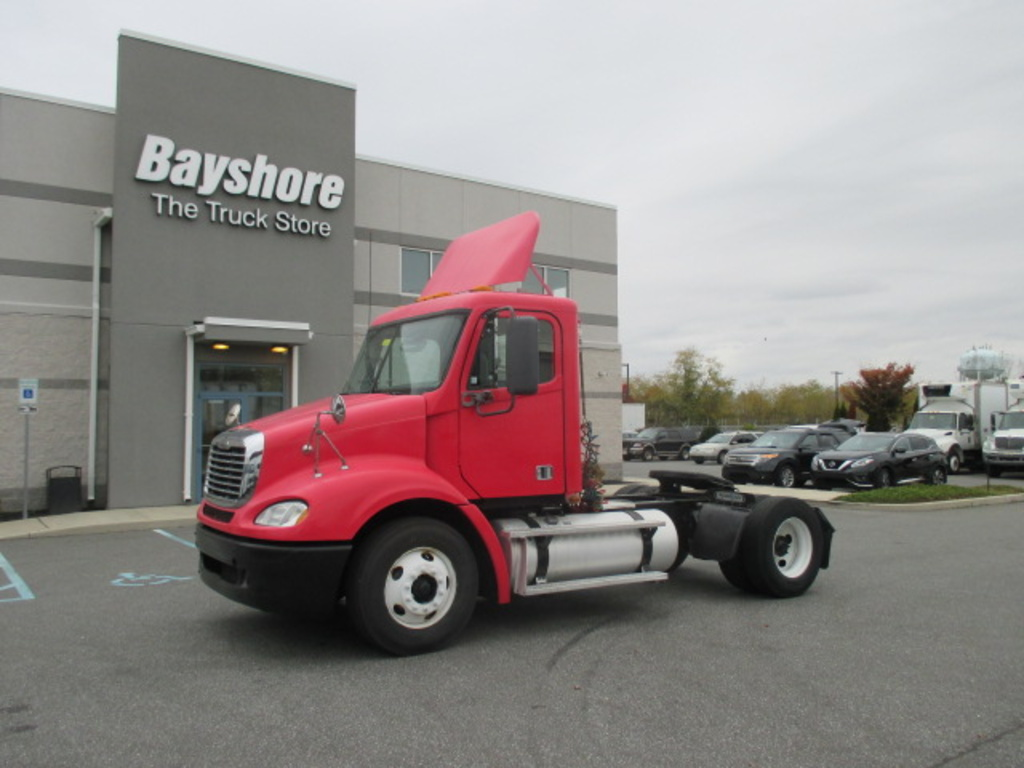 USED 2009 FREIGHTLINER COLUMBIA 112 SINGLE AXLE DAYCAB TRUCK #3007