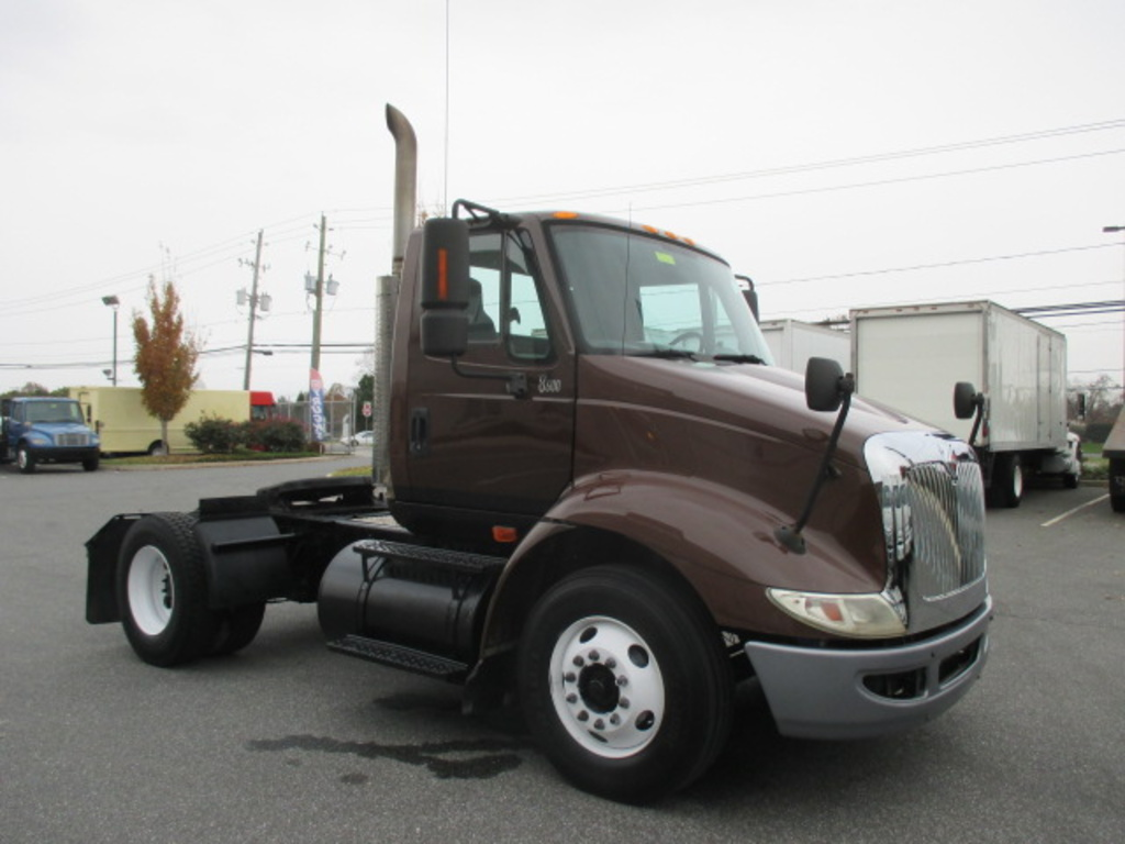USED 2006 INTERNATIONAL 8000 SERIES 8600 SINGLE AXLE DAYCAB TRUCK #3013-3