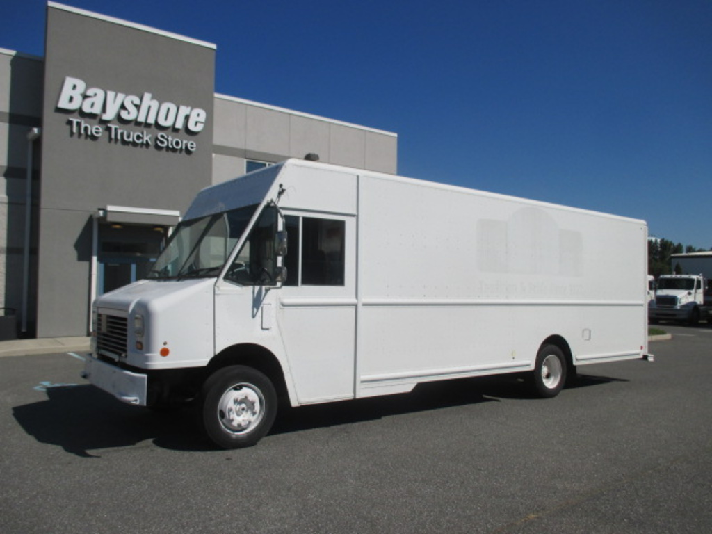 USED 2010 WORKHORSE COMMERCIAL W62 STEP VAN TRUCK #4172