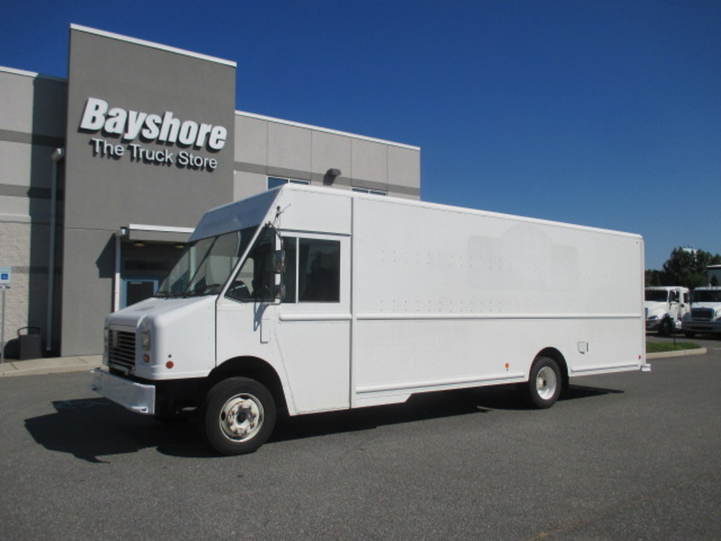 USED 2010 WORKHORSE COMMERCIAL W62 STEP VAN TRUCK #4207-1