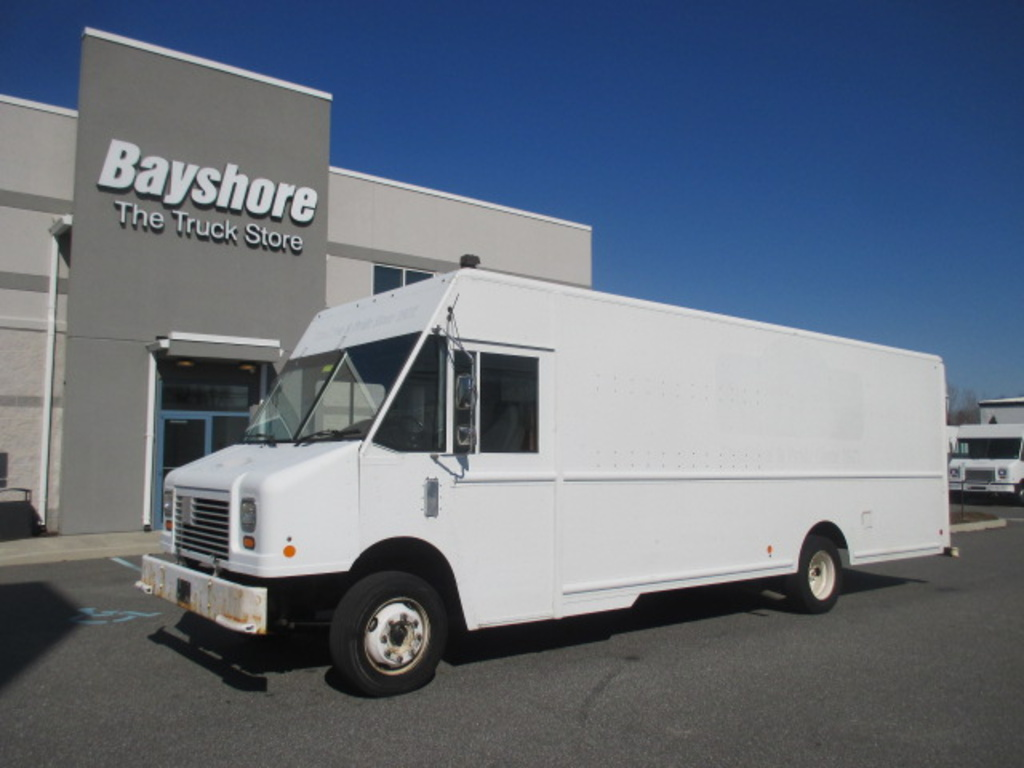 USED 2010 WORKHORSE COMMERCIAL W62 STEP VAN TRUCK #4215