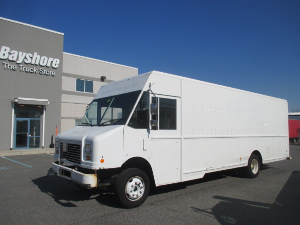 USED 2011 WORKHORSE COMMERCIAL W62 STEP VAN TRUCK #4301