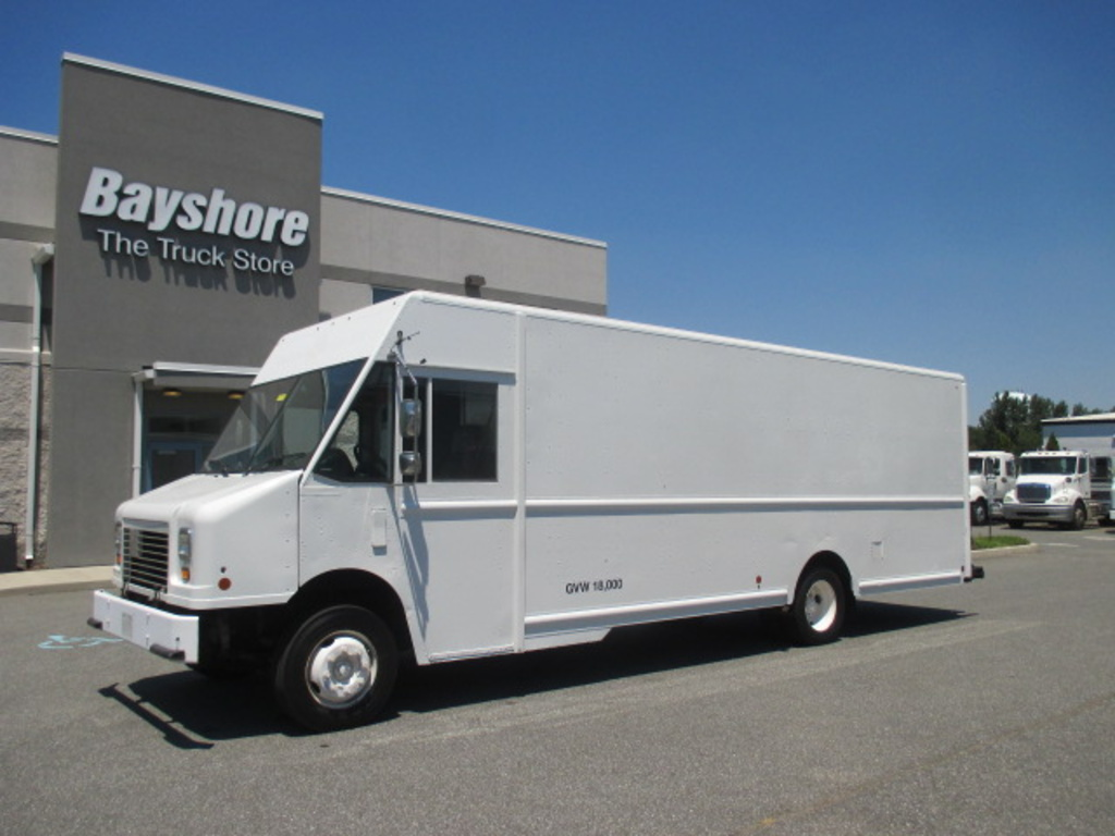 USED 2010 WORKHORSE COMMERCIAL W62 STEP VAN TRUCK #5038