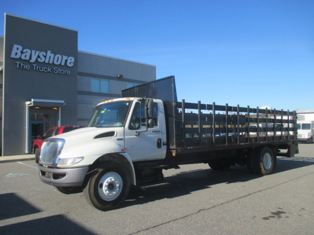 USED 2014 INTERNATIONAL 4000 SERIES 4300 STAKE BODY TRUCK #6781