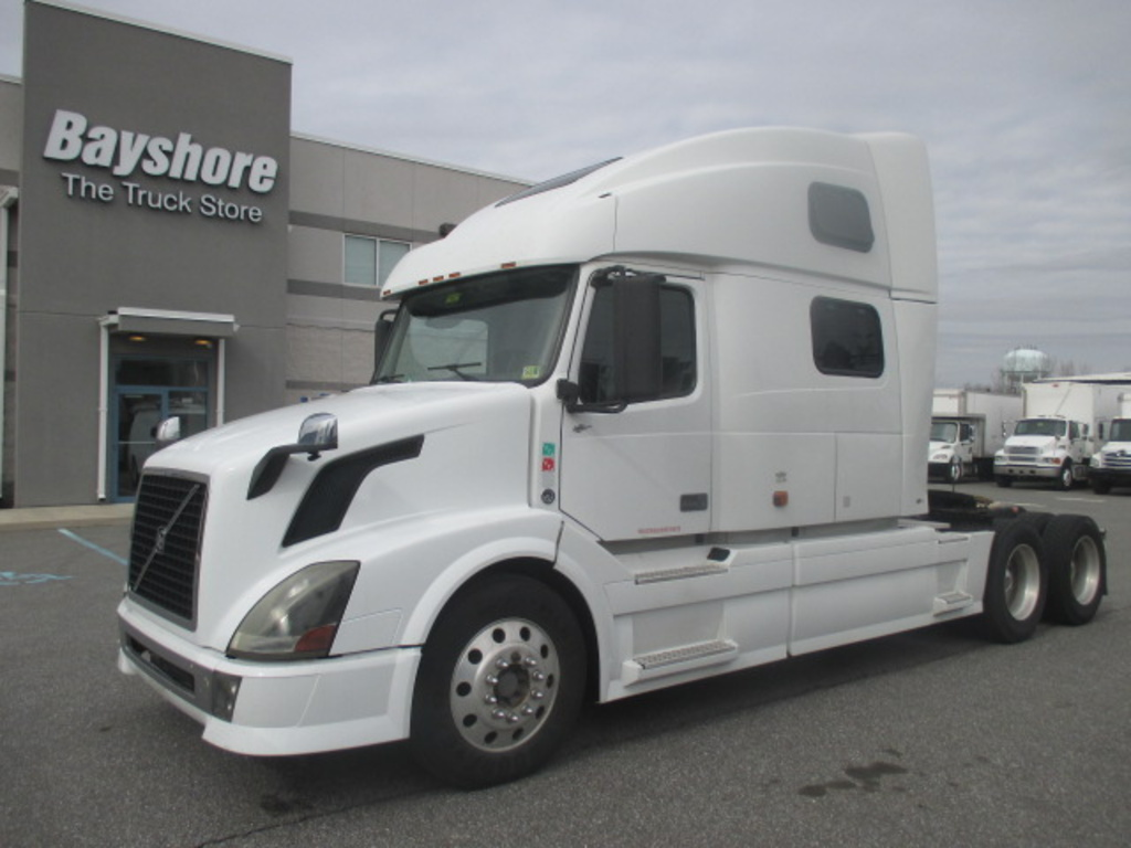 USED 2007 VOLVO VN L TRUCK #6978
