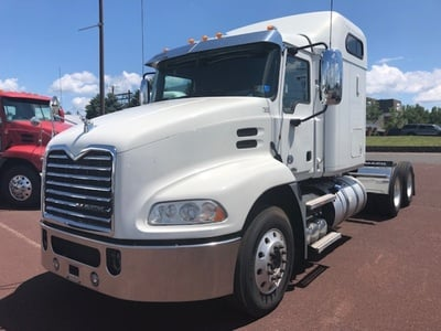 USED 2013 MACK CXU613 TANDEM AXLE SLEEPER TRUCK #10534