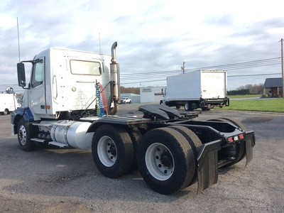 USED 2008 VOLVO VNL TANDEM AXLE DAYCAB TRUCK #11184-3