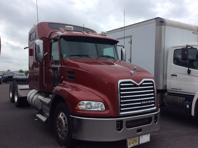 USED 2014 MACK CXU613 TANDEM AXLE SLEEPER TRUCK #11800