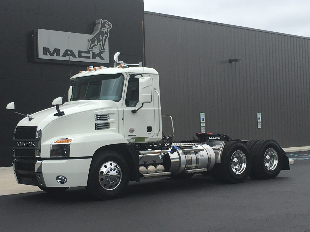 NEW 2021 MACK AN64T TANDEM AXLE DAYCAB TRUCK #166207