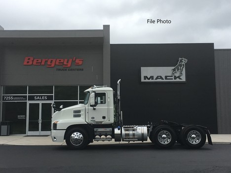 NEW 2022 MACK AN64T TANDEM AXLE DAYCAB TRUCK #13925