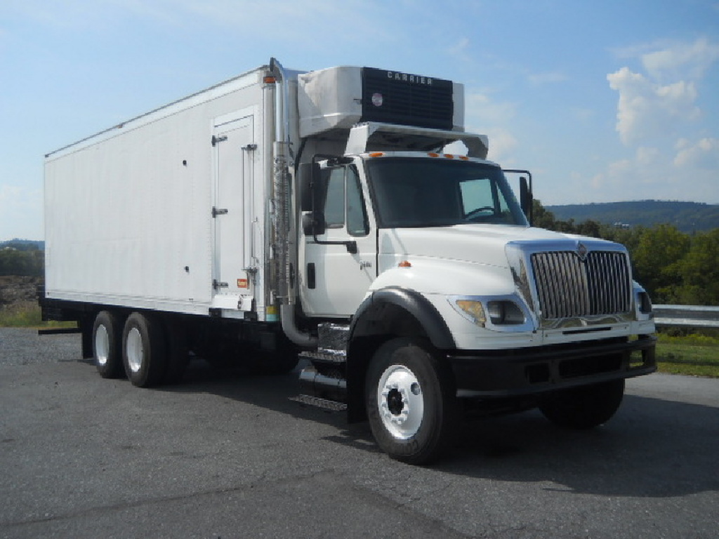 2006 INTERNATIONAL 7600 Reefer Truck