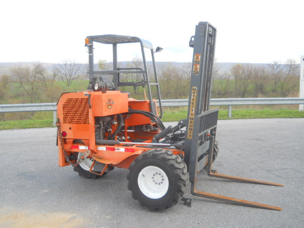 USED 2004 MOFFETT M5500 MAST FORKLIFT EQUIPMENT #79808