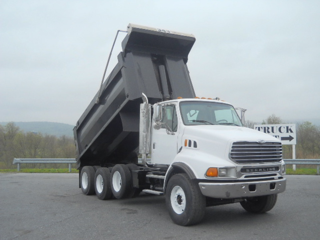 USED 2007 STERLING L9513 TRI-AXLE STEEL DUMP TRUCK #81011