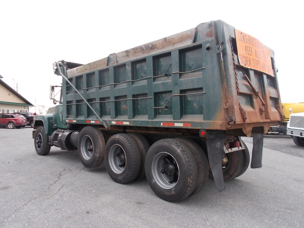 Used 1987 Mack Rd688s Tri Axle Steel Dump Truck For In Myerstown Pa