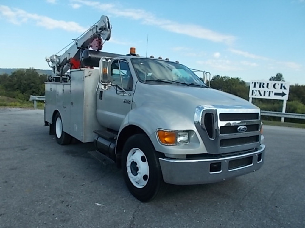 USED 2004 FORD F650 XL SERVICE - UTILITY TRUCK #614588