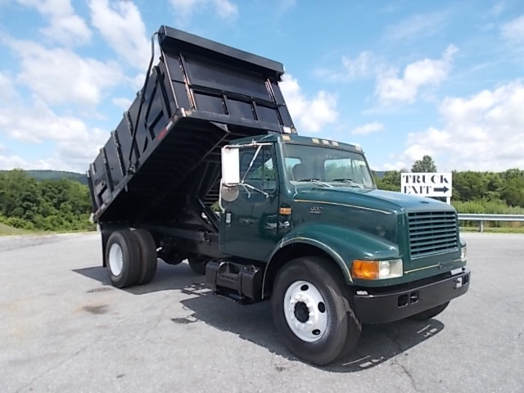 USED 1998 INTERNATIONAL 4700 S/A STEEL DUMP TRUCK #151714