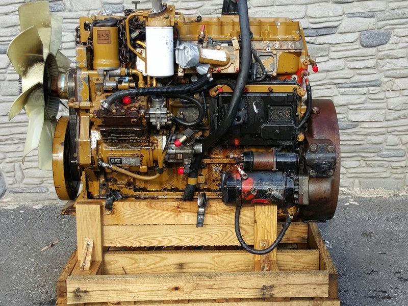 2001 CAT 3126  Complete Engine #1030