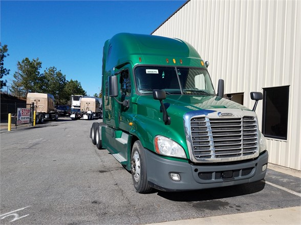 USED 2014 FREIGHTLINER CASCADIA 125 SLEEPER TRUCK #3062