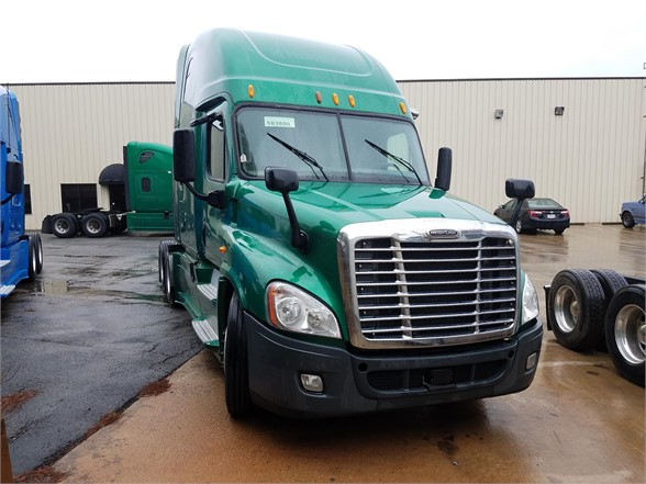 USED 2014 FREIGHTLINER CASCADIA 125 SLEEPER TRUCK #3066