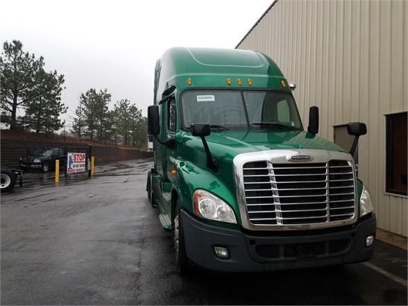 USED 2014 FREIGHTLINER CASCADIA 125 SLEEPER TRUCK #3069