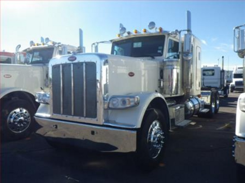 USED 2012 PETERBILT 389 TANDEM AXLE SLEEPER TRUCK #1279