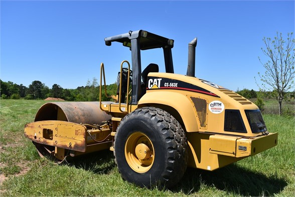 USED 2004 CATERPILLAR CS-563E COMPACTOR EQUIPMENT #1719