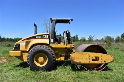USED 2004 CATERPILLAR CS-563E COMPACTOR EQUIPMENT #1719-10
