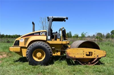 USED 2004 CATERPILLAR CS-563E COMPACTOR EQUIPMENT #1719-11