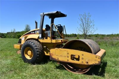 USED 2004 CATERPILLAR CS-563E COMPACTOR EQUIPMENT #1719-12