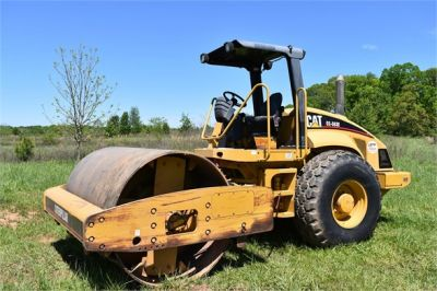 USED 2004 CATERPILLAR CS-563E COMPACTOR EQUIPMENT #1719-13
