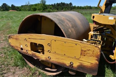 USED 2004 CATERPILLAR CS-563E COMPACTOR EQUIPMENT #1719-17