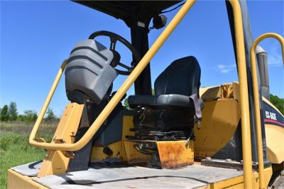 USED 2004 CATERPILLAR CS-563E COMPACTOR EQUIPMENT #1719-18