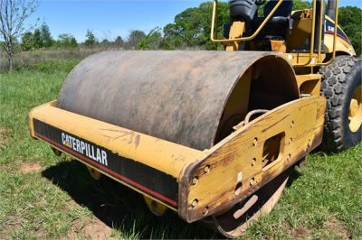 USED 2004 CATERPILLAR CS-563E COMPACTOR EQUIPMENT #1719-25