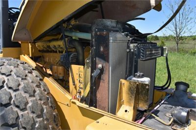 USED 2004 CATERPILLAR CS-563E COMPACTOR EQUIPMENT #1719-26