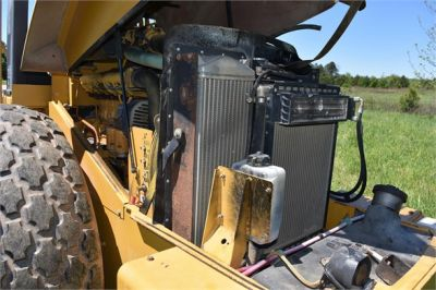USED 2004 CATERPILLAR CS-563E COMPACTOR EQUIPMENT #1719-27