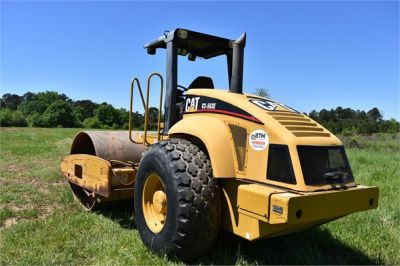 USED 2004 CATERPILLAR CS-563E COMPACTOR EQUIPMENT #1719-3