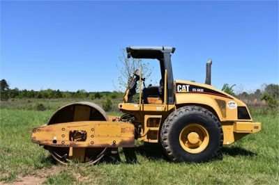 USED 2004 CATERPILLAR CS-563E COMPACTOR EQUIPMENT #1719-4