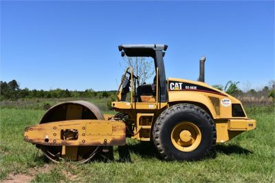 USED 2004 CATERPILLAR CS-563E COMPACTOR EQUIPMENT #1719-6