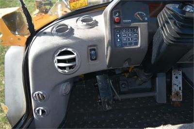 USED 2009 VOLVO L70F WHEEL LOADER EQUIPMENT #1727-37
