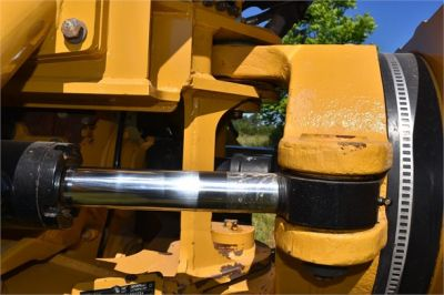 USED 2013 CATERPILLAR 725 OFF HIGHWAY TRUCK EQUIPMENT #1835-22