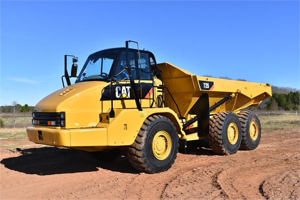 USED 2013 CATERPILLAR 725 OFF HIGHWAY TRUCK EQUIPMENT #1882