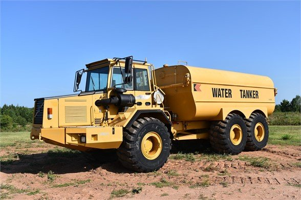 USED 1999 VOLVO A30C WATER TRUCK #1887