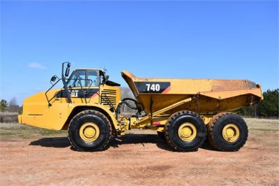 USED 2010 CATERPILLAR 740 OFF HIGHWAY TRUCK EQUIPMENT #2039-33