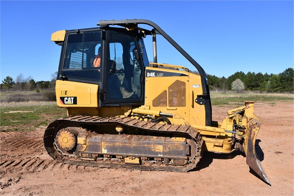 USED 2011 CATERPILLAR D4K LGP DOZER EQUIPMENT #2074