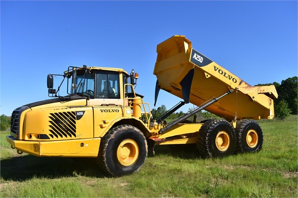 USED 2007 VOLVO A25D OFF HIGHWAY TRUCK EQUIPMENT #2109