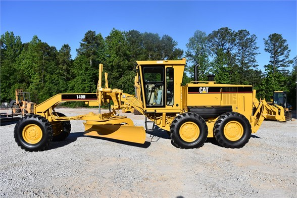 USED 2005 CATERPILLAR 140H MOTOR GRADER EQUIPMENT #2122